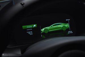 استون مارتین برقی تا سال 2024 | تکنولوژی مرسدس در قلب خودروهای استون مارتین